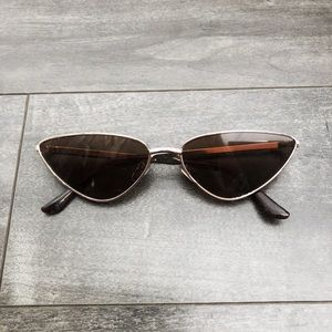 Retro triangle wire frame fashion sunglasses